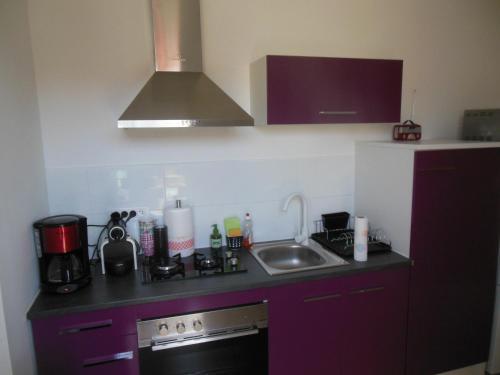 A kitchen or kitchenette at L'annexe