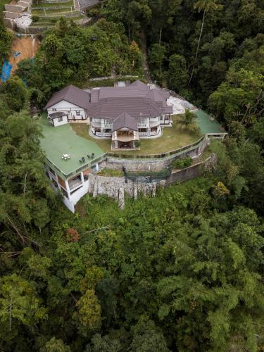 Blick auf Hickory Penang Hill aus der Vogelperspektive