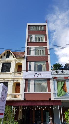 Tòa nhà nơi nhà khách tọa lạc