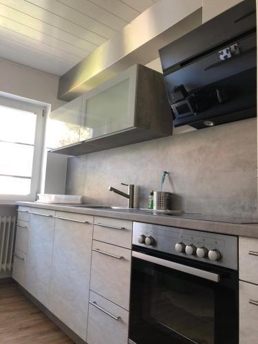 Küche/Küchenzeile in der Unterkunft Ferienwohnung Föhrenweg