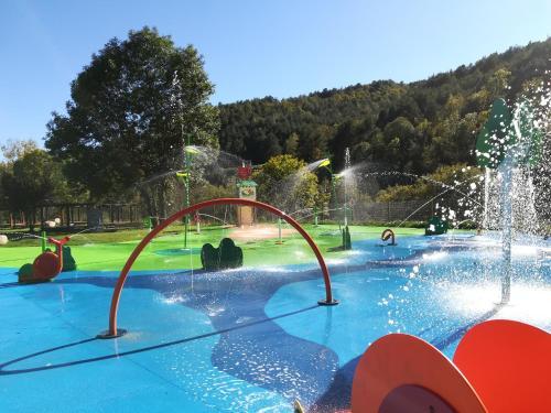 Het zwembad bij of vlak bij Càmping Vall De Camprodon