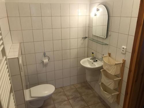 A bathroom at Pension Abbazia