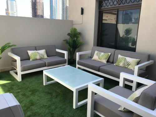 A seating area at Downtown Penthouse