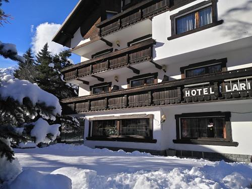Hotel I Larici during the winter