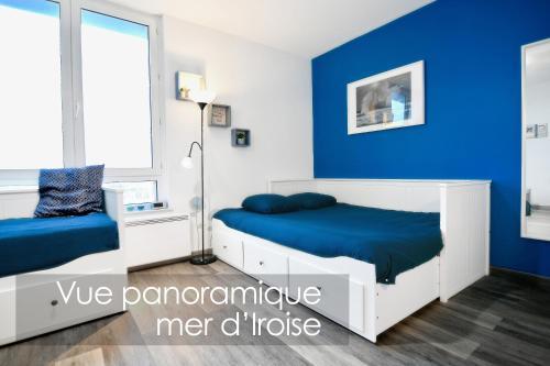 Un ou plusieurs lits dans un hébergement de l'établissement Appart Cosy Brest 5 (vue mer)