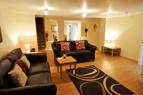 Dufftown Square Apartment