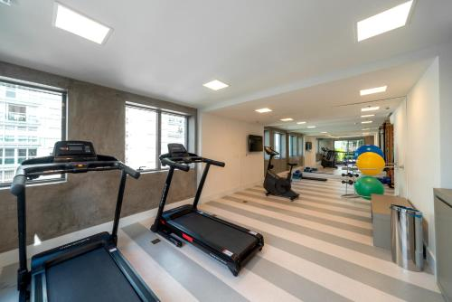 The fitness centre and/or fitness facilities at Hotel Laghetto Stilo Higienópolis