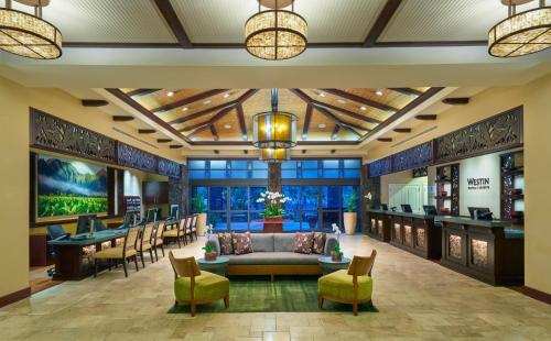 The lounge or bar area at The Westin Princeville Ocean Resort Villas