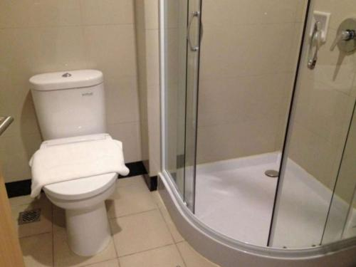 A bathroom at Biz Hotel Batam