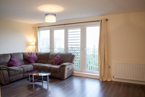2 Bedroom Modern Flat in Inverleith