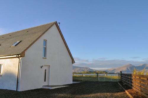 Lurach House