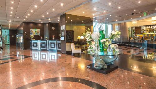 The lobby or reception area at Delfines Hotel & Convention Center