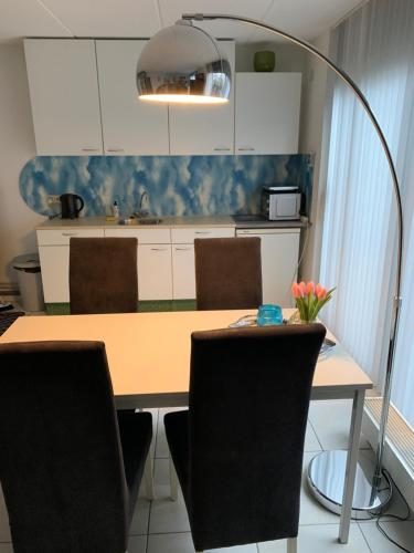 A kitchen or kitchenette at Apartment IBIZA