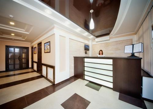 The lobby or reception area at Favorit Hotel