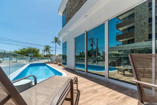 The swimming pool at or close to Hotel Praia Bonita Jangadeiros