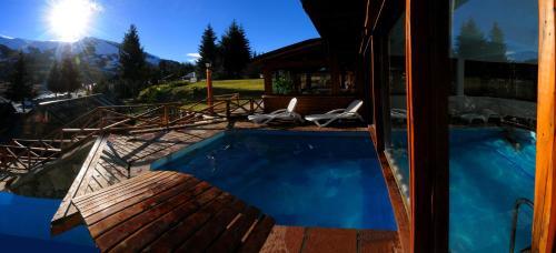 Piscine de l'établissement Hotel Punta Condor ou située à proximité