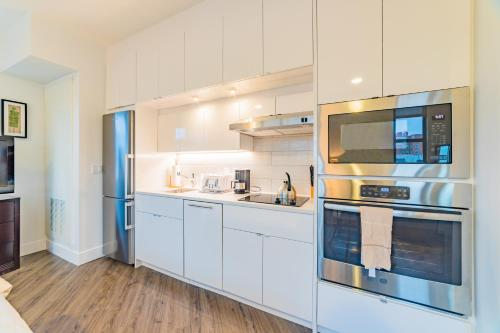 A kitchen or kitchenette at Luxury Studio in Adams Morgan-276