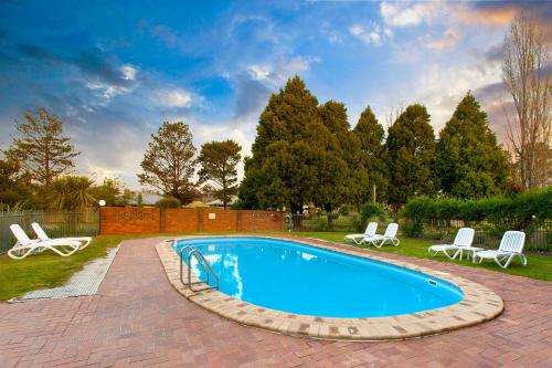 The swimming pool at or near Armidale Tourist Park