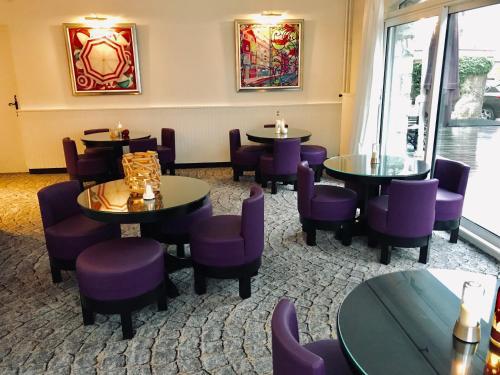 Salon ou bar de l'établissement Hôtel Catalpa