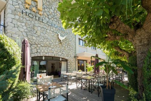 Restaurant ou autre lieu de restauration dans l'établissement Hôtel Catalpa