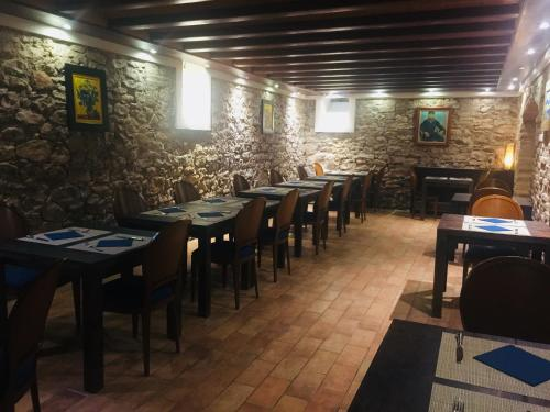 A restaurant or other place to eat at Hotel Villa Retiro