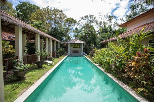 The swimming pool at or near Beachfront Hideaway - Port Douglas
