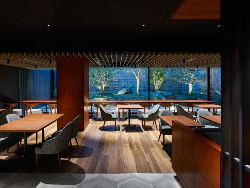 A restaurant or other place to eat at Mitsui Garden Hotel Kanazawa
