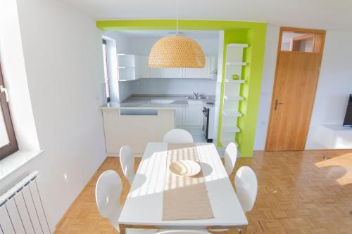 A kitchen or kitchenette at D&J house