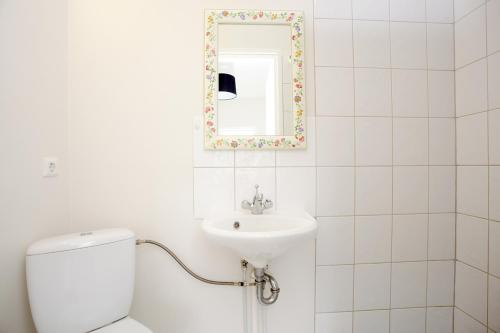 A bathroom at Welcome Edinborg