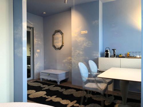 A bathroom at House Le Prince D'Anvers
