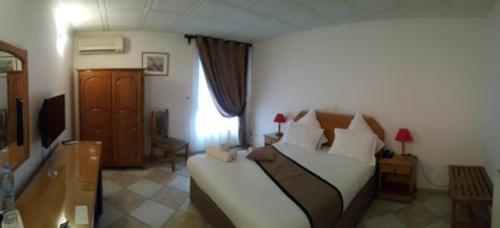 A seating area at Hotel El Biar