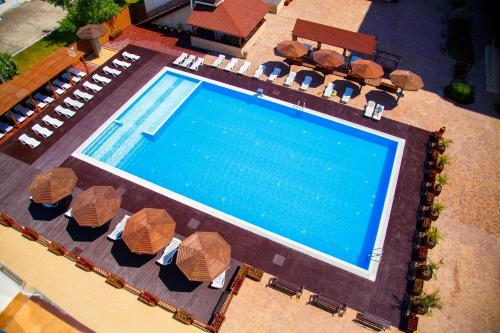 A view of the pool at Emerald Hotel or nearby