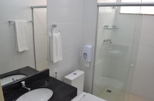 A bathroom at ALENCAR HOTEL