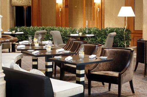 A restaurant or other place to eat at The Westin Grand Berlin