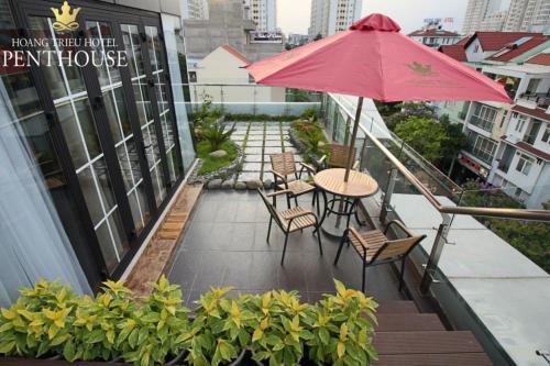 Ban công/sân hiên tại Hoang Trieu Hotel