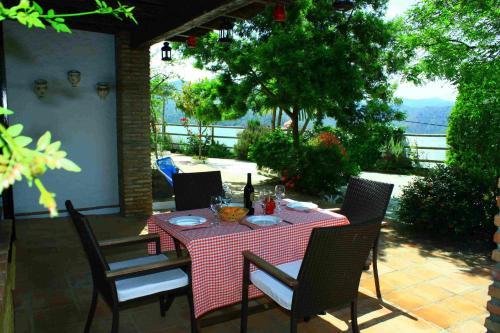 Un restaurante o sitio para comer en Casa Buenaluz