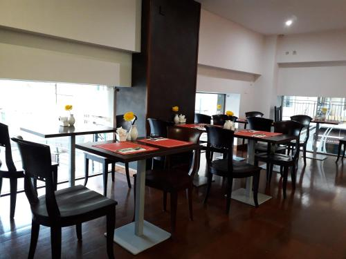 A restaurant or other place to eat at Soho Boutique Salamanca