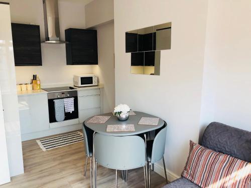 Southend - Westcliff Apartments & Studios