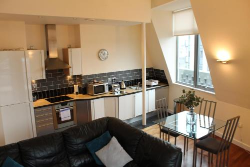 Spacious 2 Bedroom Flat Newcastle