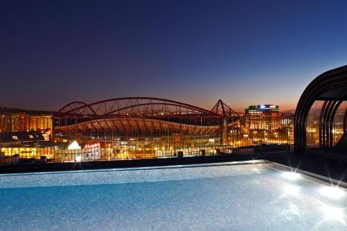 The swimming pool at or near Upon Lisbon Prime Residences