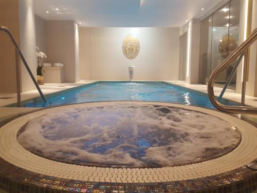 The swimming pool at or close to Montcalm Royal London House-City of London