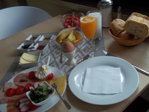 """Frühstücksoptionen für Gäste der Unterkunft """"Frosch & Fisch"""""""