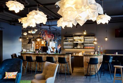 The lounge or bar area at moun10 Jugendherberge