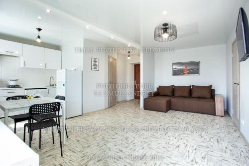 A seating area at Apartment Perekopska st.