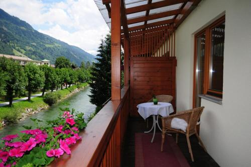 A balcony or terrace at Schlossalm Appartement