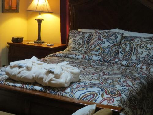 A bed or beds in a room at ShayVille