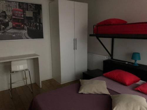 Letto o letti a castello in una camera di Apartments Résidence Lignum