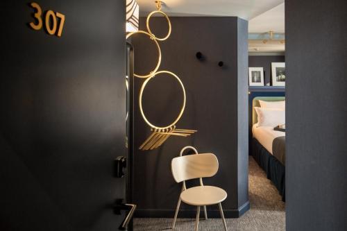 A bathroom at BoB Hotel by Elegancia