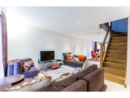 Newly built 3BR home minutes from Addenbrooke's