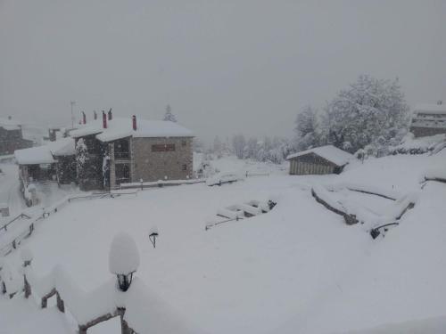 Το Village Inn τον χειμώνα
